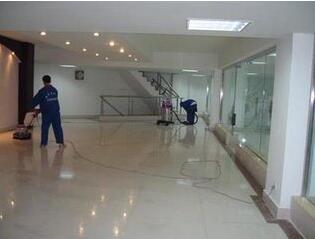 上海保洁公司如何清洁梯间通道