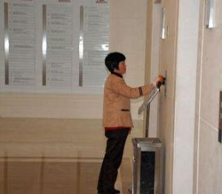 上海保洁公司对电梯的清洁方法及清洁标准